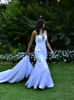 12-new-romantics-bridal-white-mermaid-wedding-dress-with-detachable-A-line-skirt_