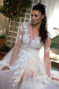 4-new-romantics-bridal-lace-beach-wedding-dress-with-detachable-mesh-over-dress