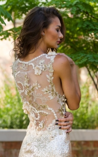 21 gold lace back detail