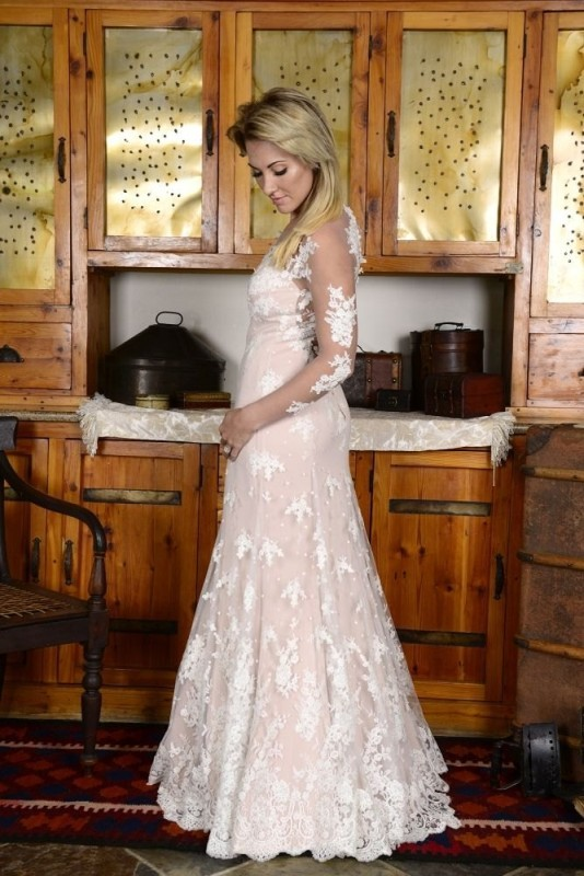 40-new-romantics-bridal-couture-vintage-wedding-dress-Nude-mermaid-dress-with-scollape-lace-dress